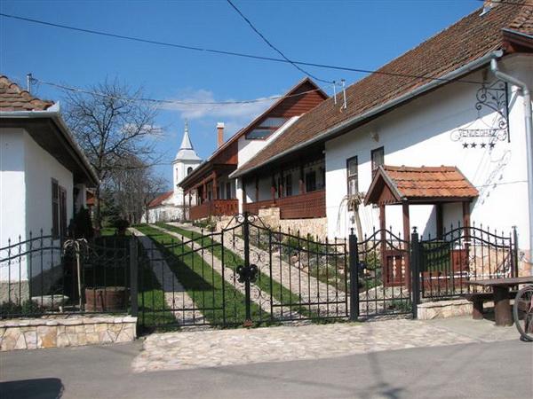 Egy falu, amely előre néz