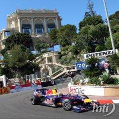 Monacói Nagydíj: Webber győzött